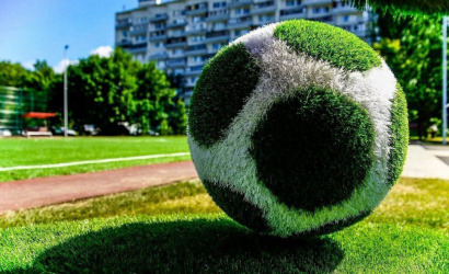 The capital will be decorated with figures of athletes from artificial grass